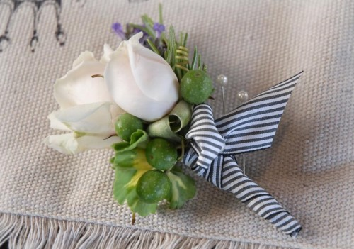 C14ssy Boutonniere