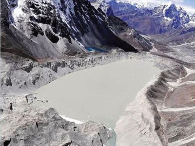 Lake Near Mount Everest Drained