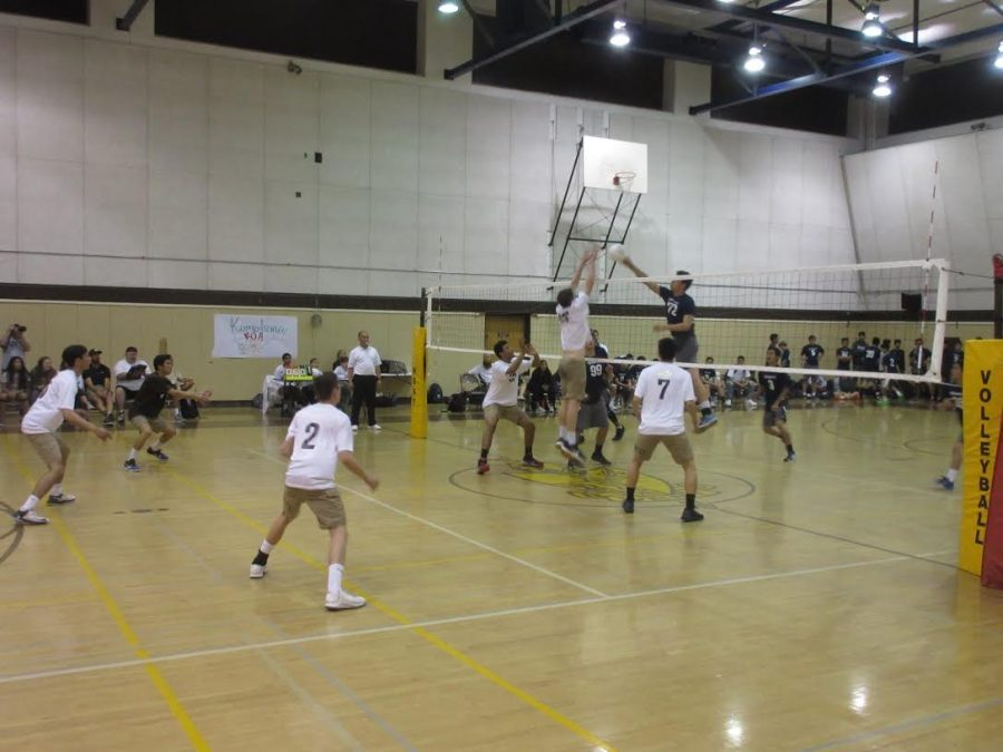West Volleyball Defeats Saxons