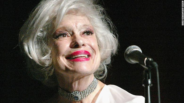 HOLLYWOOD, CA - MARCH 13:  Singer Carol Channing performs at 'TV Cares: Ribbon of Hope Celebration 2004' on March 13, 2004 at the Academy of Television Arts and Sciences, in Hollywood, California. (Photo by Kevin Winter/Getty Images)